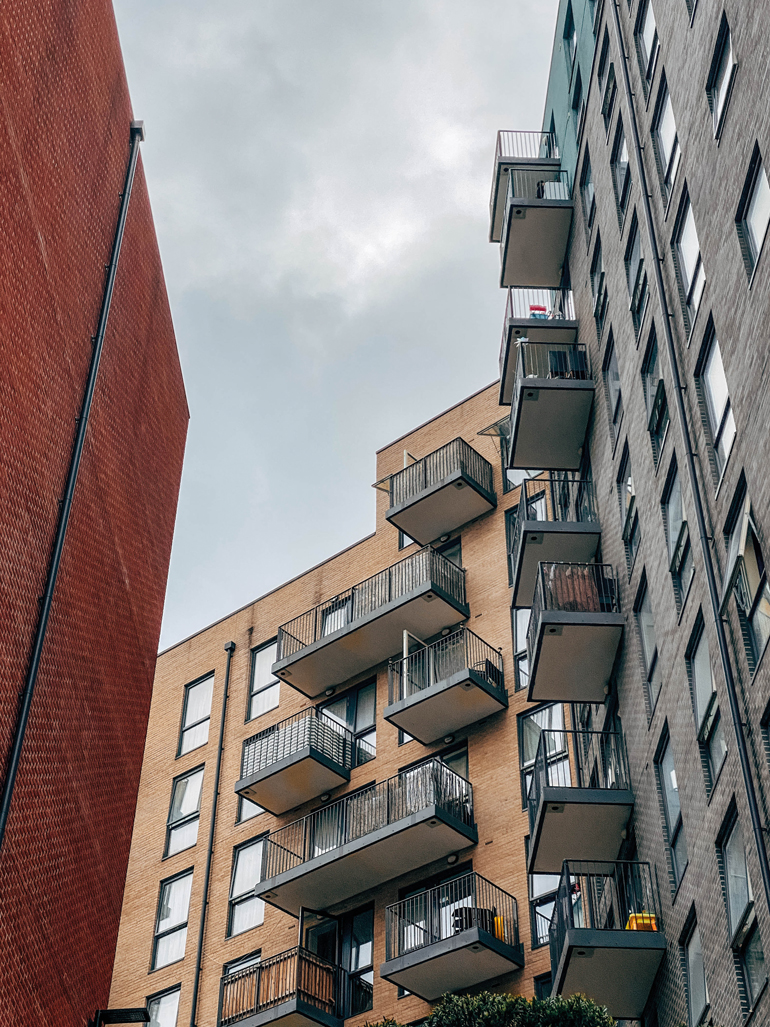 Wireless devices can be the ideal solution for all fire systems in high-rise residential buildings in the UK.